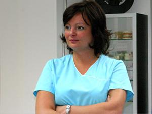 Dre Claudia Buracu <br><b>Chirurgienne-dentiste</b>